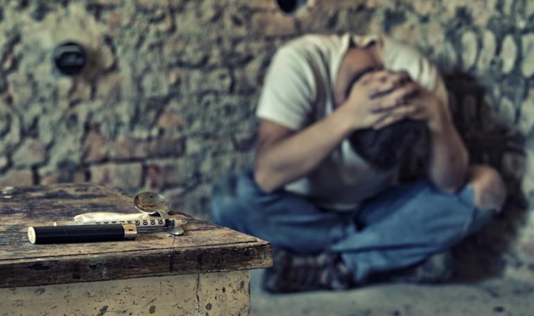 Помощь наркоману при героиновой ломке